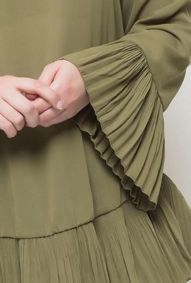 Blouse féminine en voile avec bordure plissée, manches évasées  T3(42/44) - T4(46/48) - T5(50/52)