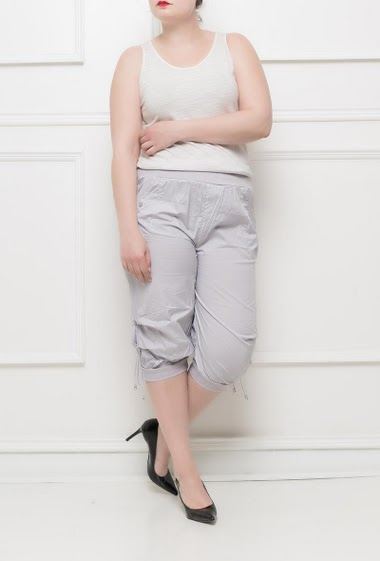 Three quarter pants with elastic waist, lace-up ankles  - Size T2(38/40) T3(40/42) T4(42/44) T5(44/46) T6(46/48) T7(48/50)