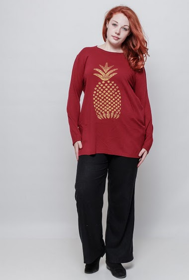 Knitted sweater with printed gold pineaplple, soft touch, casual fit The model measures 172cm and wears T5. T4 corresponds to T46/48 and T5 corresponds to 50/52