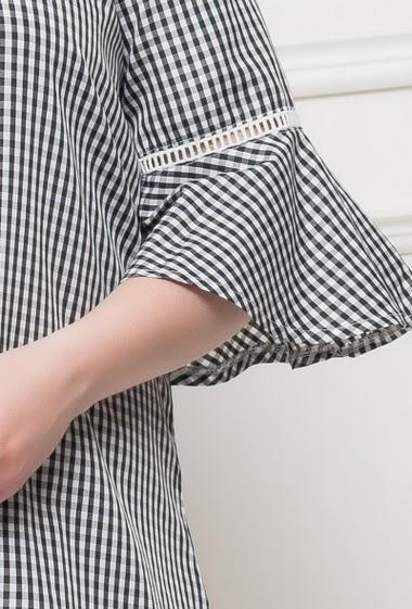 Tunique à carreaux bicolores, épaules dénudées manhes 3/4 évasées - T3(42/44) - T4(46/48) - T5(50/52)