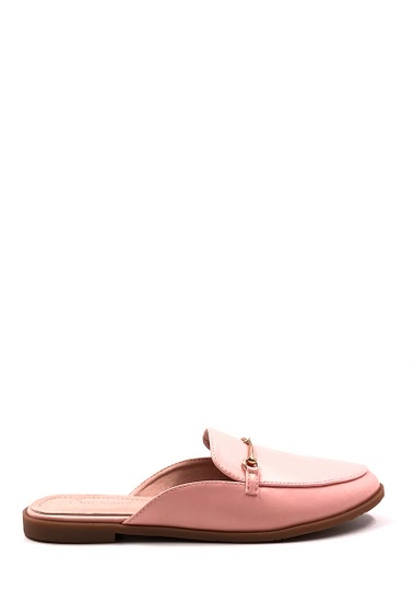 Flat ballerina open at the back, round toe, easy to put on. Heel: 2 cm. Available in Black, Beige, Pink, White, Camel.