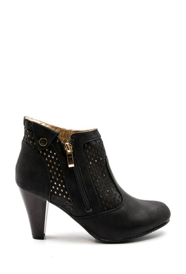Pumps in suede style, rhinestone diamond fantasy, platform open toe. Heel: 13 cm. Platform 4 cm.
