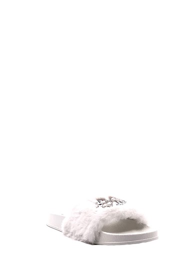 Slip-On Sandals Fur Strass Synthetic diamond, open toe, comfortable and flexible, easy to put on. Platform: 2 cm Available in Black, Silver, Pink, White.