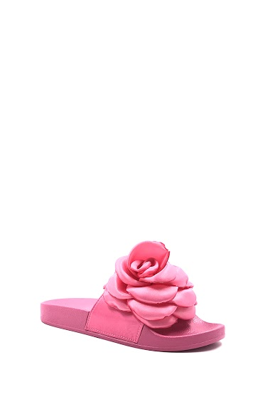 Flower Flat Sandals, open toe, comfortable and flexible, easy to put on. Platform : 2 cm Available in Black, Pink.