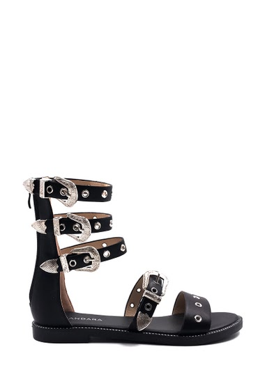 High spartan flat sandals, Western style, open toe, comfortable and elegant, buckle closure. Platform: 2 cm. Available in Black, White.