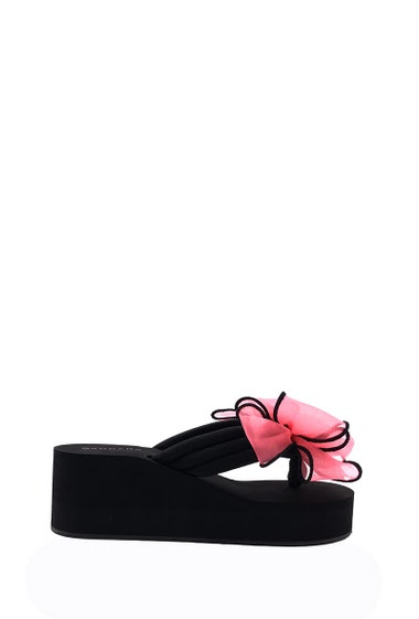 Wedge platform sandal foam, bow tie flange fingertip, open toe, comfortable and flexible, easy to put on. Platform: 3 cm Compensated: 6 cm. Available in Black, Red, Pink, Blue, White, Purple.