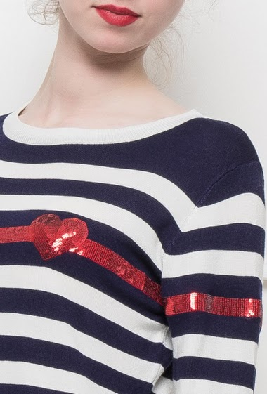Fine knit sweater with bicolore stripes, sequined band with heart, very pleasant to wear