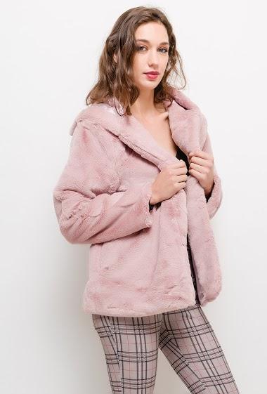 Hooded coat in fur