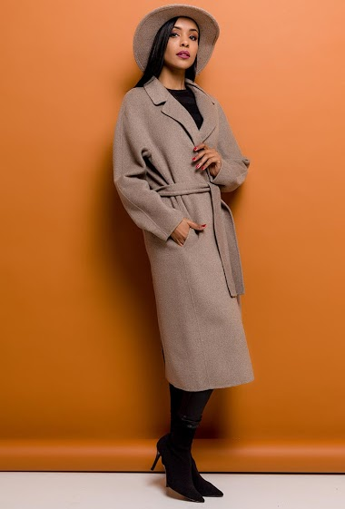 Belted long coat in wool