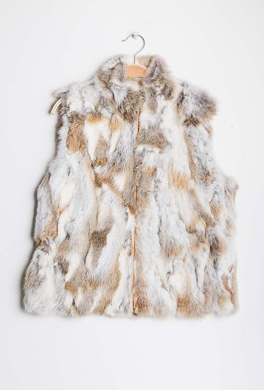 Sleeveless jacket in real fur