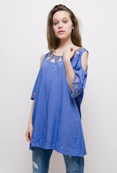 The model measures 175cm and wears T3=16/18(UK)44/46(FR). Length:80cm