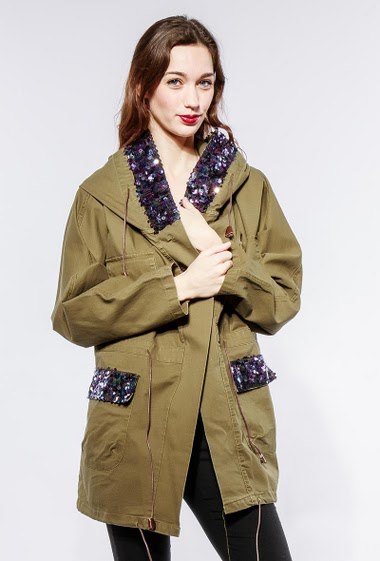 Cotton parka with hood, sequined yoke. The model measures 177cm and wears S