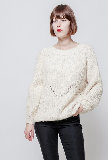 Knitted sweater, decorative pearls, casual fit. The model measures 172cm, one size corresponds to 38-40