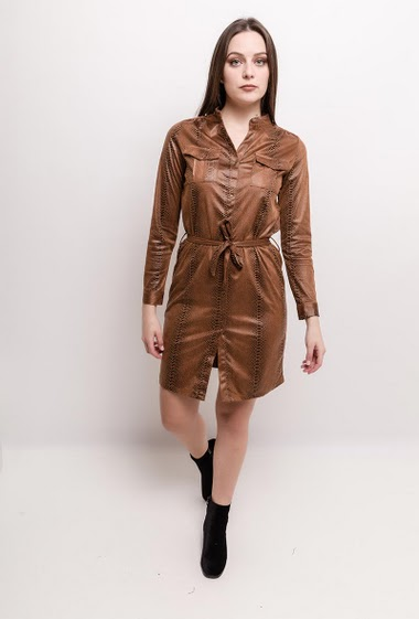Shirt dress with python print. The model measures 170cm and wears S. Length:95cm