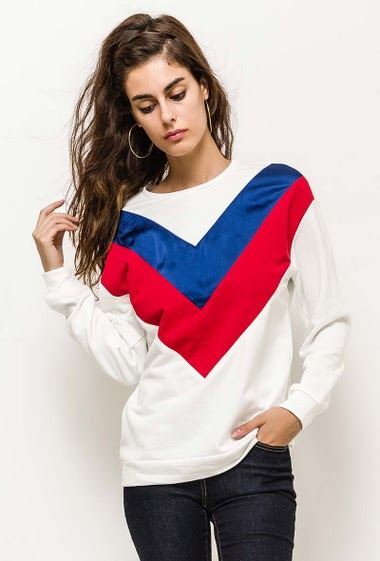 Sweatshirt with color block detail. The model measures 176cm and wears S. Length:70cm