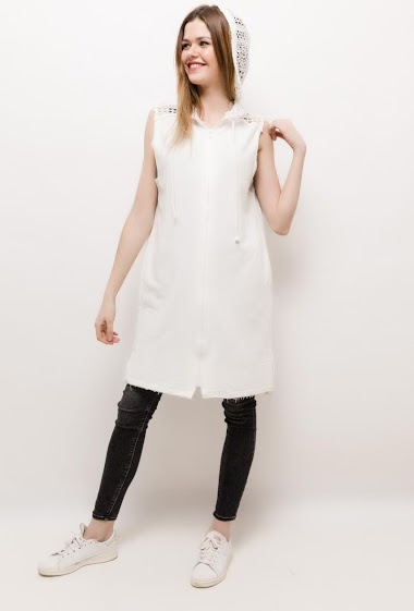 The model measures 171cm and wears S. Length:90cm