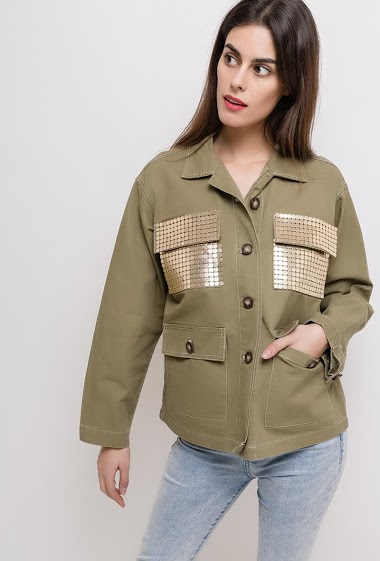 Jacket with pockets, gold detail. The model measures 176cm and wears S. Length:65cm