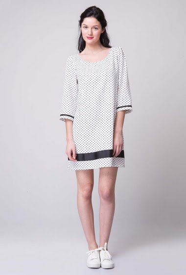 Dotted 3/4 sleeves flowing dress with black stripe down and on sleeves