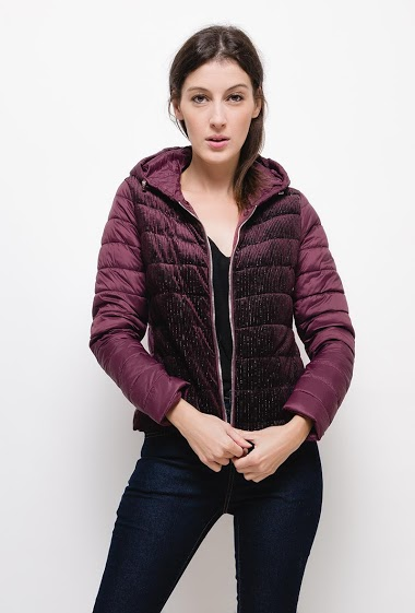 Light jacket with velvet ,The model measures 177cm and wears S. Length:55cm