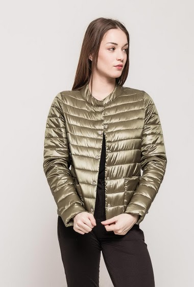 Classic quilted jacket. The model measures 175cm and wears M