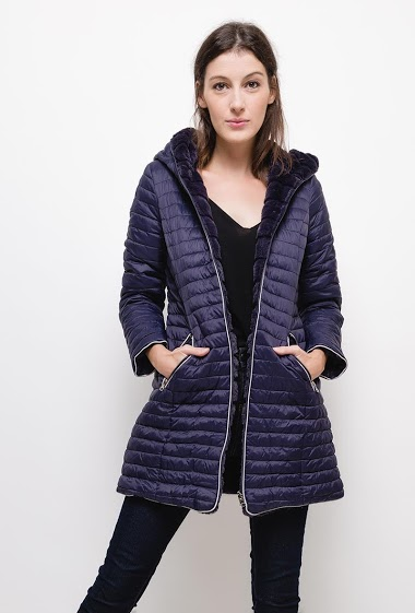 Reversible down jacket,The model measures 177cm and wears S. Length:80cm