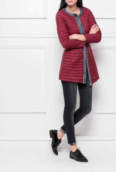 Quilted and lightweight jacket, border in denim, zippered closure, pockets