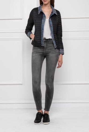 Doudoune bi-matière effet 2 en 1, avec bordure en jeans, poches zippées