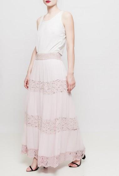 Long bi-material skirt, lace yoke, elastic waist, TU corresponds to 38-40