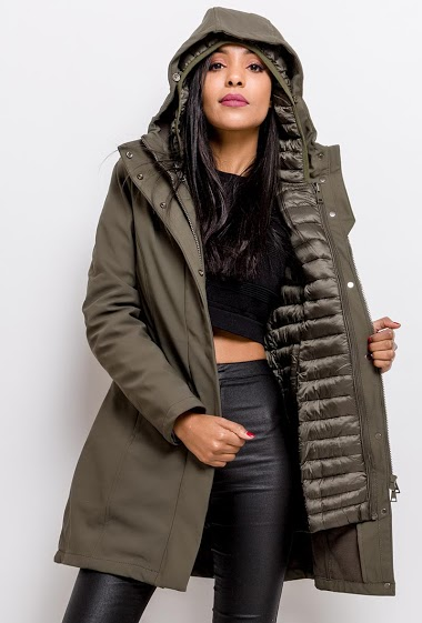 Parka with removable quilted lining. The model measures 177cm and wears S. Length:79cm