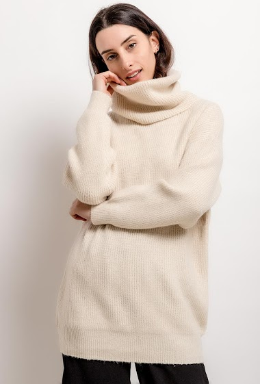 Casual sweater. The model measures 176cm, one size corresponds to 10/12(UK) 38/40(FR). Length:79cm
