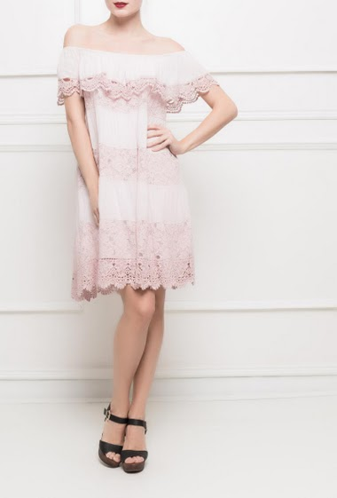 Flared dress decorated with lace - TU corresponds to T38