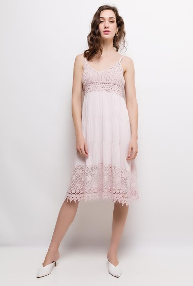Strappy dress, sequins. The model measures 177cm, one size corresponds to 10/12(UK) 38/40(FR). Length:110cm
