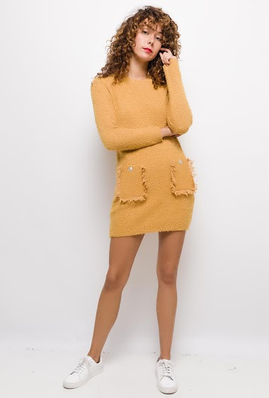 Robe pull maille bouclettes avec poches ,La mannequin mesure 177cm, TU correspond à 38/40. Longueur:83cm