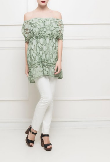 Off shoulder frill top in lace - TU corresponds to T38/40