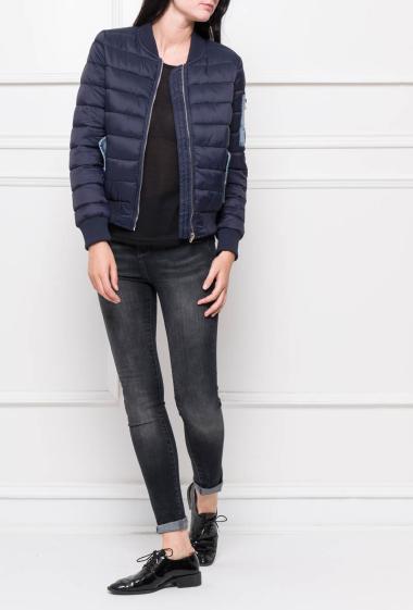Doudoune matelassée avec poches en jean, fermeture zippée
