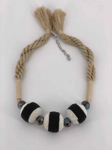 Collier cordon et perle