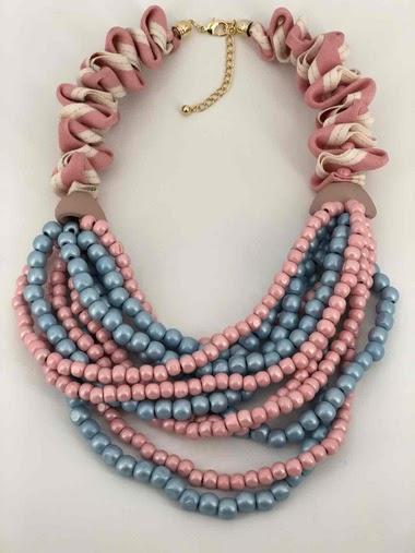 Collier en tissu et chaîne de perle en bois couleur mixte