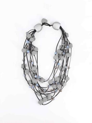 Collier court en corde multiple, cristal et résine
