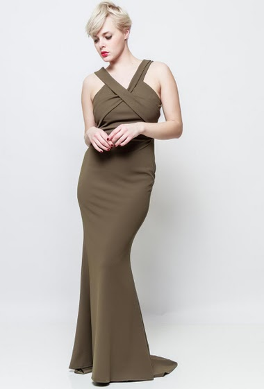 Long sleeveless dress. The model measures 170cm, one size corresponds to 38-40