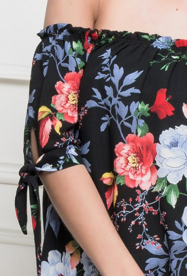 Crepe top with printed flowers, off shoulder design, bardot neck, short sleeves with tie detail, fluid fabric - TU corresponds to 38/40
