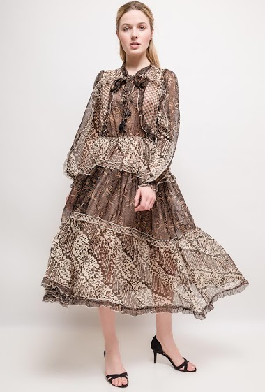 Printed dress, long sleeves, ruffles, no lining. The model measures 174cm and wears S. Length:115cm