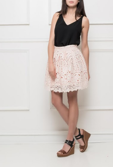 Flared skirt in lace, waist with zip