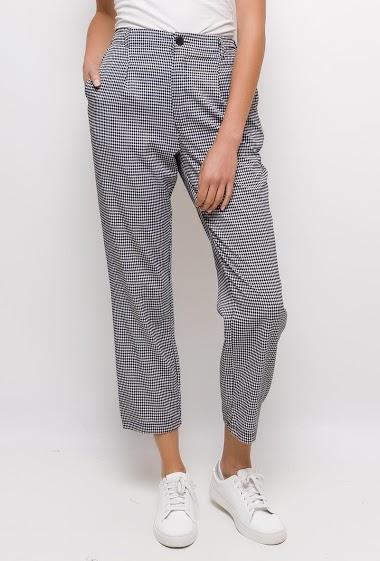 Pantalon à carreaux,La mannequin mesure 177cm et porte du S