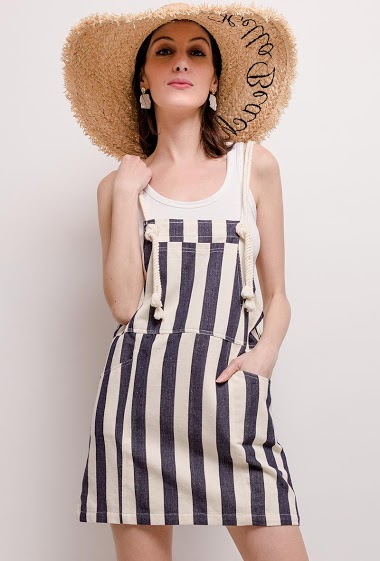 The model measures 178cm and wears S. Length:89cm