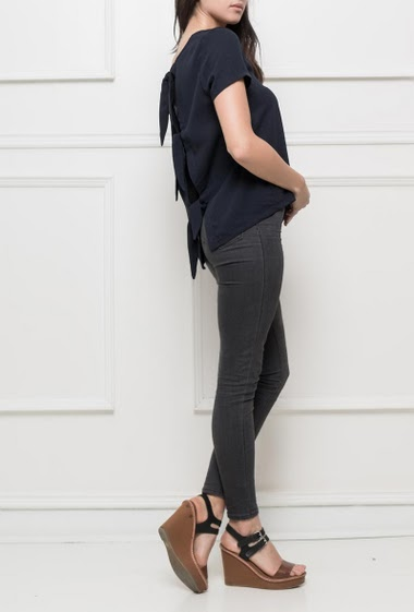 Short sleeves top with tie back, regular fit