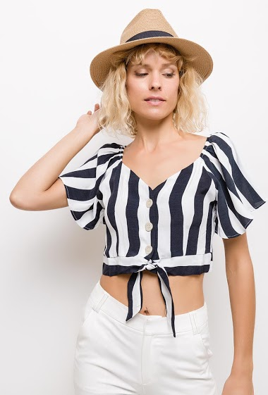 Crop blouse with knot front, button front. The model measures 177cm and wears M. Length:35cm