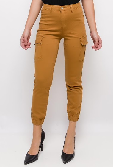 Cargo skinny pants,The model measures 175cm and wears 10(UK)/38(FR)