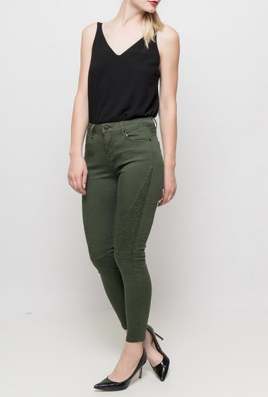 Pants with biker pletaed yoke, skinny fit, pockets