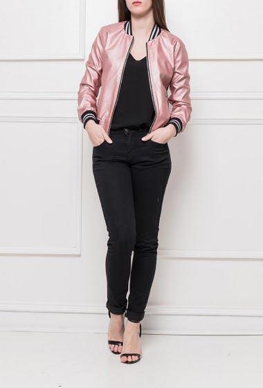 Bomber jacket in fake leather, contrasting borders, zipped closure, casual fit