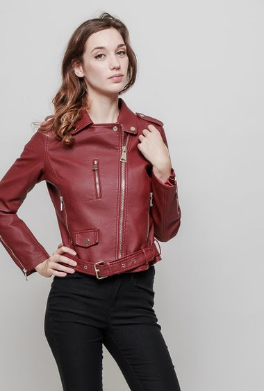 Biker jacket in imitation leather with zip closure, belt, slim fit, high-quality leatherette. The mannequin measures 177 cm and wears S